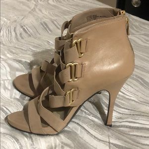 Strap with buckle high heels